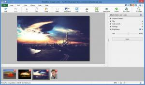 Enlarge PhotoPad Image Editor Screenshot