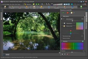 Enlarge Helicon Filter Screenshot