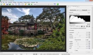 Enlarge easyHDR BASIC Screenshot